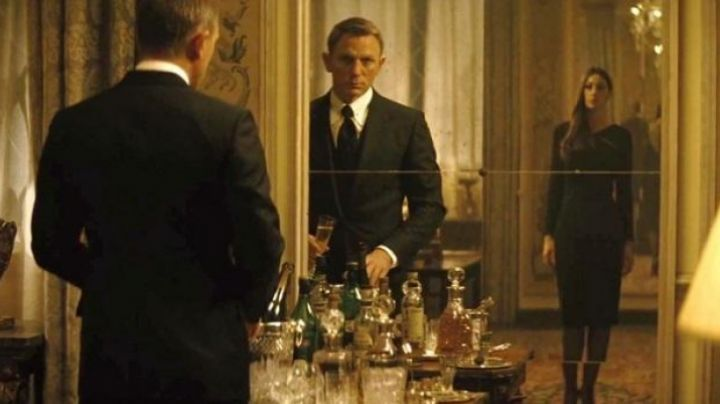 The 3-piece suit Tom Ford Windsor of Daniel Craig in Spectre movie