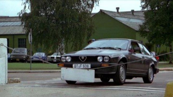 The Alfa Romeo GTV6 of Roger Moore in Octopussy - Movie Outfits and Products