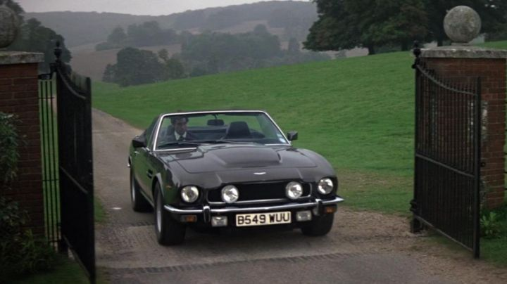 The Aston Martin V8 Vantage Volante of Timothy Dalton in The Living Daylights - Movie Outfits and Products