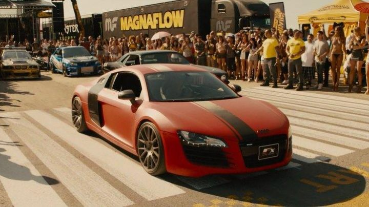 The Audi R8 competitor of Michelle Rodriguez (Letty Toretto) in Fast & Furious 7 - Movie Outfits and Products