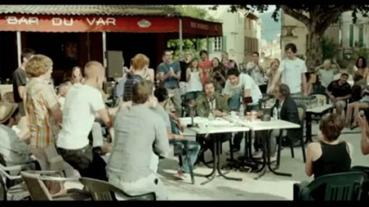 The Bar of the Var on the main square of the village of Pourrières in Radiostars - Movie Outfits and Products