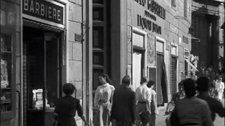 The Barber Via della Stamperia, 85 in Roman Holiday - Movie Outfits and Products