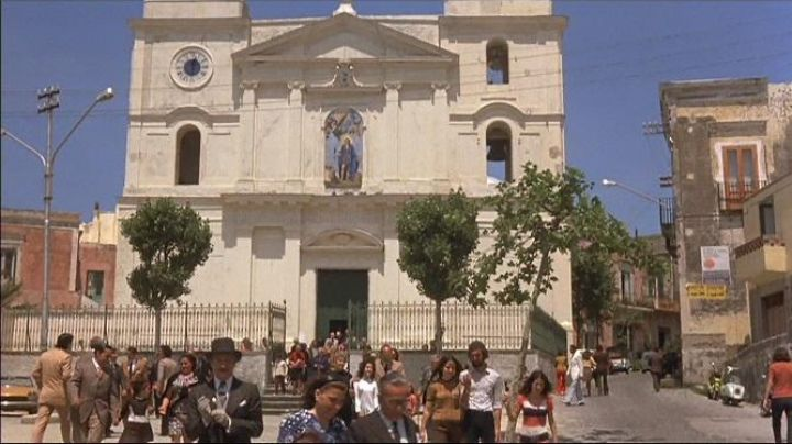 The Basilica Pontificia San Vito in the movie Avanti ! - Movie Outfits and Products