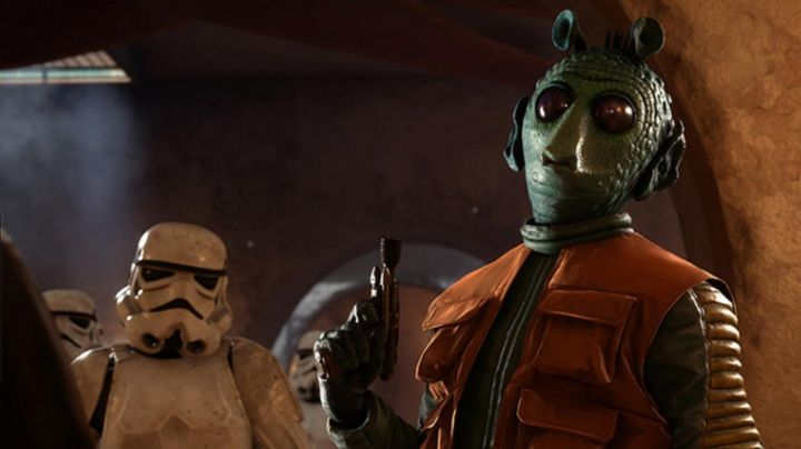 The Blaster DT 12 of Greedo in Star Wars Battlefront - Movie Outfits and Products