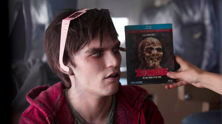 The Blu-Ray of the movie Zombie by Lucio Fulci in Warm Bodies - Movie Outfits and Products