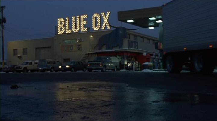 The Blue Ox Motel St. Paul, Minnesota, in Fargo - Movie Outfits and Products