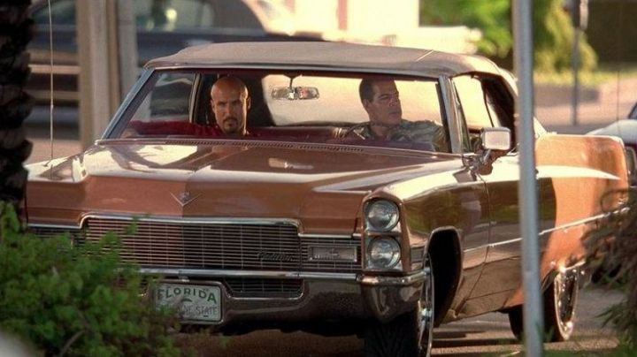 The Cadillac DeVille Roberto (Roberto Sanchez) in 2 Fast 2 Furious - Movie Outfits and Products