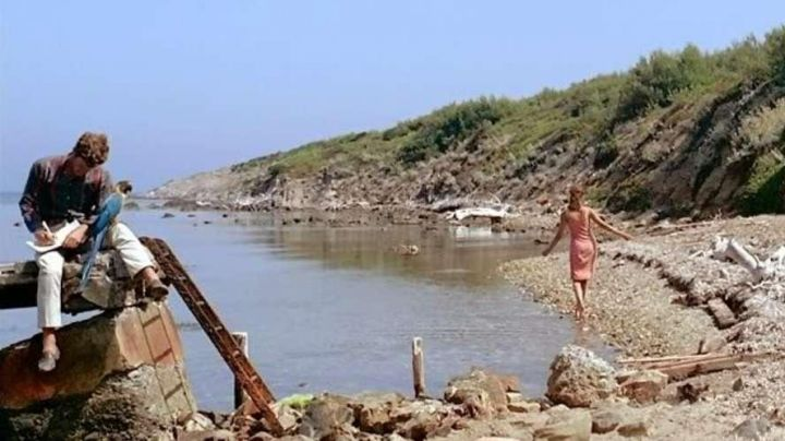 The Calanque de la Treille at Porquerolles in the film Pierrot le fou - Movie Outfits and Products