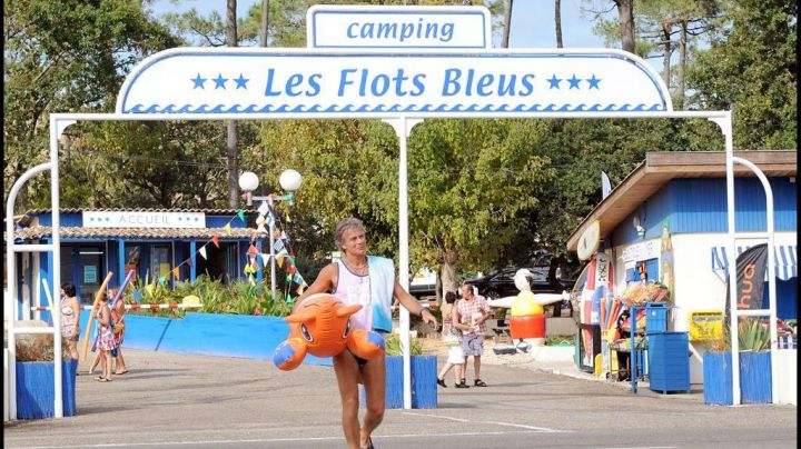 The Camping de la Dune, renamed The Blue water in Camping - Movie Outfits and Products