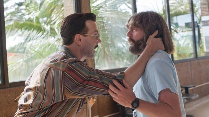 The Casio edifice men's watch of David Ghantt (Zach Galifianakis) in Masterminds - Movie Outfits and Products