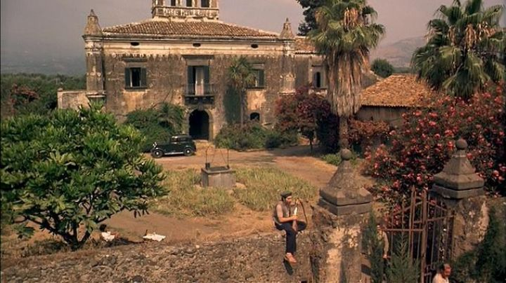 The Castello Degli Schiavi in the north of Sicily, earth of exile of Michael in The Godfather - Movie Outfits and Products