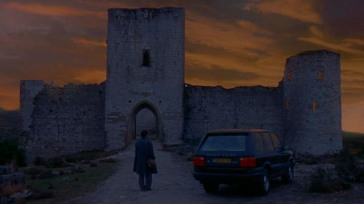 The Castle of Puivert in Occitania, in the film The ninth gate - Movie Outfits and Products