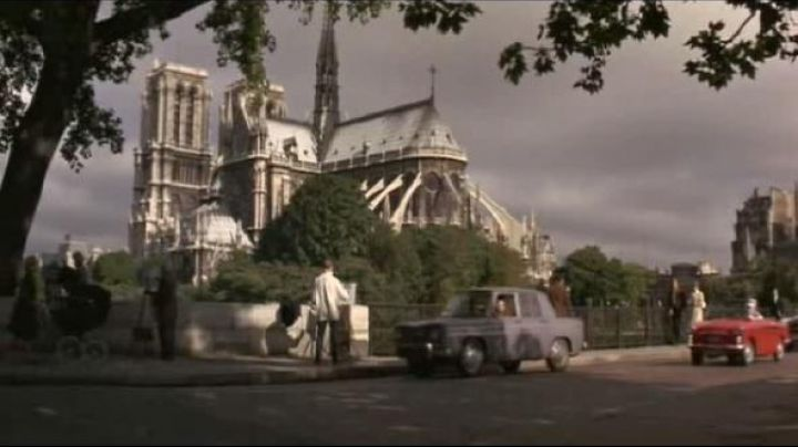 The Cathedral of Notre Dame de Paris, Square Jean XXIII in How to steal a million dollars - Movie Outfits and Products