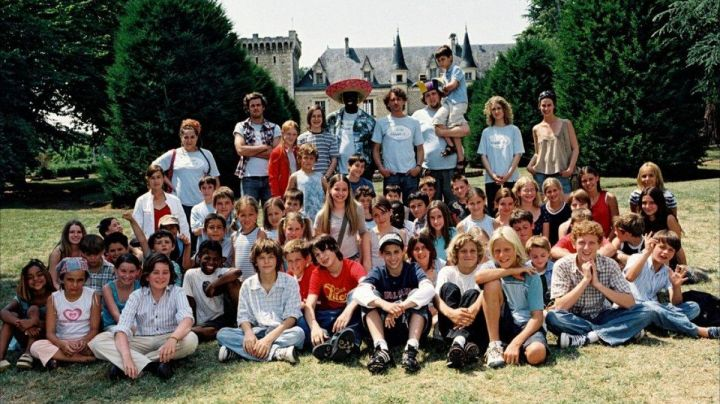 The Chateau de la Couronne in the Charente in Our Happy Days - Movie Outfits and Products