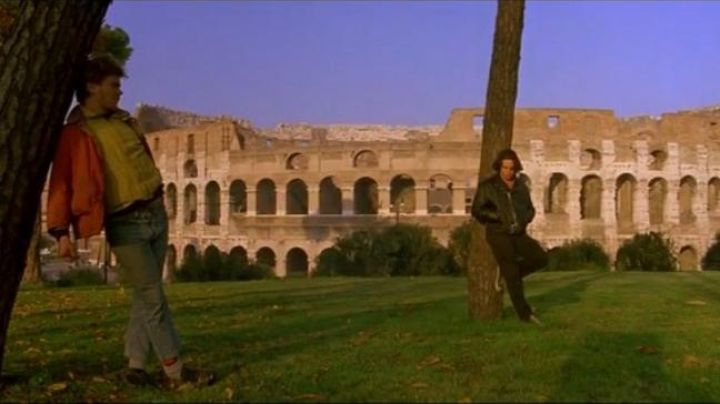 The Colosseum in Rome in My own private Idaho - Movie Outfits and Products