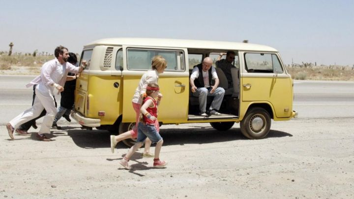 The Combi Volkswagen T2 in Little Miss Sunshine - Movie Outfits and Products