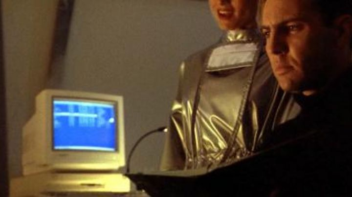 The Commodore Amiga 3000 Rooker in Darkman 3 - Movie Outfits and Products