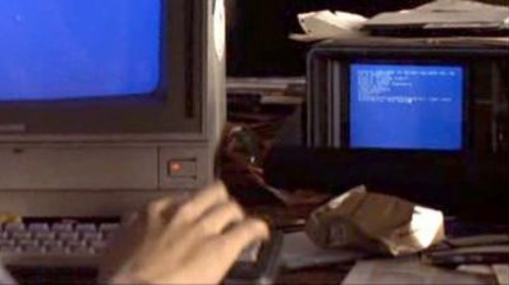The Commodore SX64 Karl in 23: Nichts ist so wie es scheint - Movie Outfits and Products
