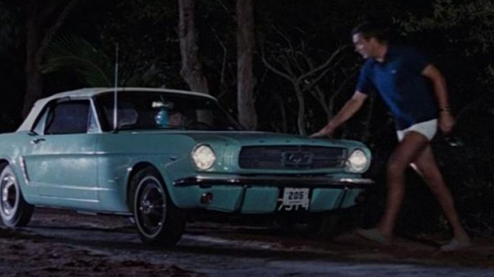 The Convertible Ford Mustang of Fiona Volpe in Thunderball - Movie Outfits and Products