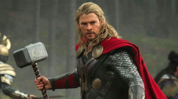 The Cosplay of Thor (Chris Hemsworth) in Avengers : age of Ultron - Movie Outfits and Products