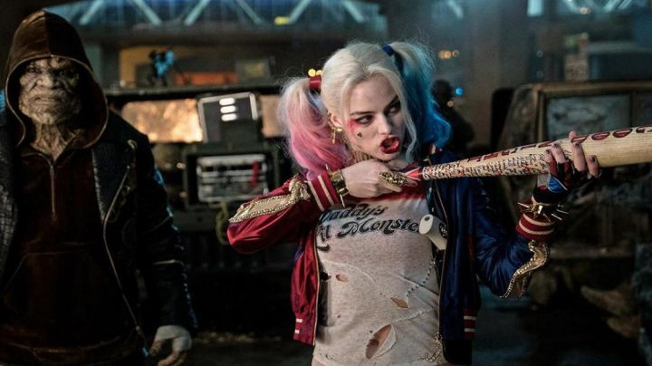 The Daddy's Lil Monster T-shirt Harley Quinn (Margot Robbie) in Suicide Squad movie