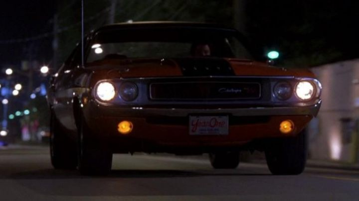 The Dodge Challenger driver against Roman Pierce (Tyrese Gibson) in 2 Fast 2 Furious - Movie Outfits and Products