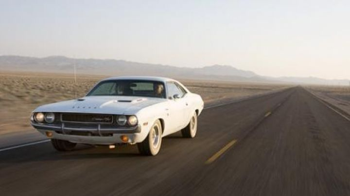 The Dodge Challenger of Barry Newman in Vanishing Point - Movie Outfits and Products