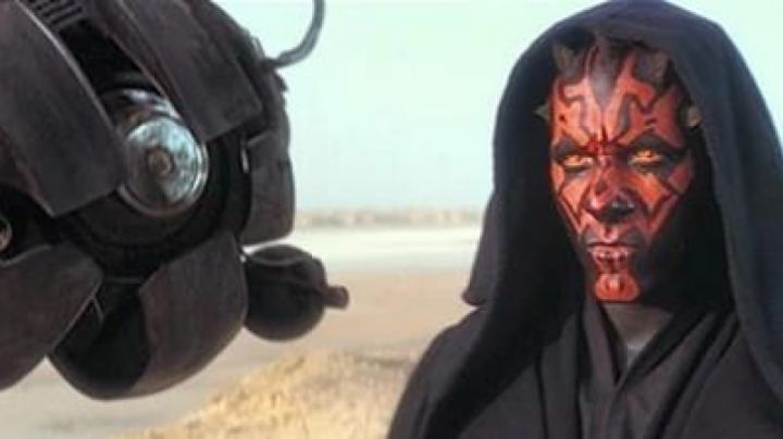 The Droid DRK-1 Dark Eye of Darth Maul (Ray Park) in Star Wars I : The phantom menace - Movie Outfits and Products