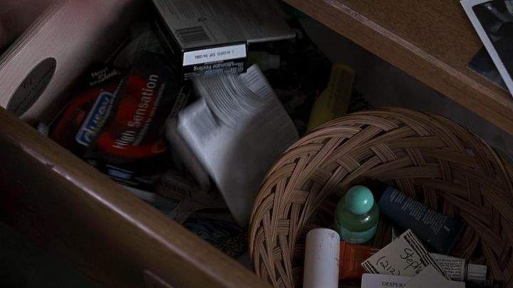 The Durex condoms in American Pie - Movie Outfits and Products