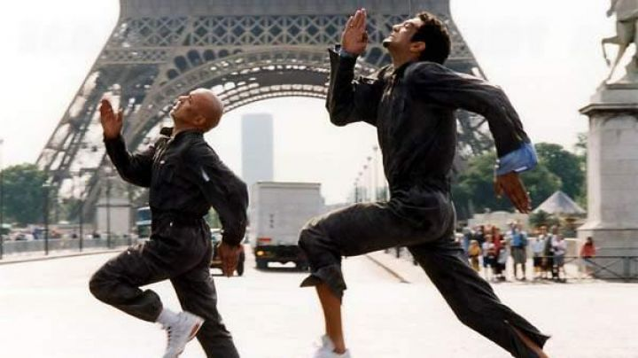 The Eiffel Tower in La Tour Montparnasse infernale (Eric Judor and Ramzy Bedia) - Movie Outfits and Products