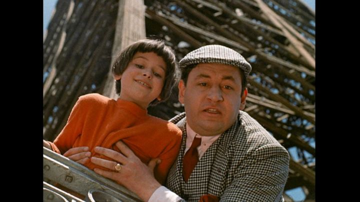 The Eiffel Tower in Zazie in the metro (Philippe Noiret) - Movie Outfits and Products