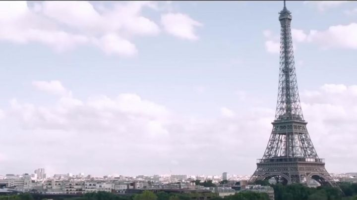 The Eiffel Tower of Paris in The Ch'tite family - Movie Outfits and Products