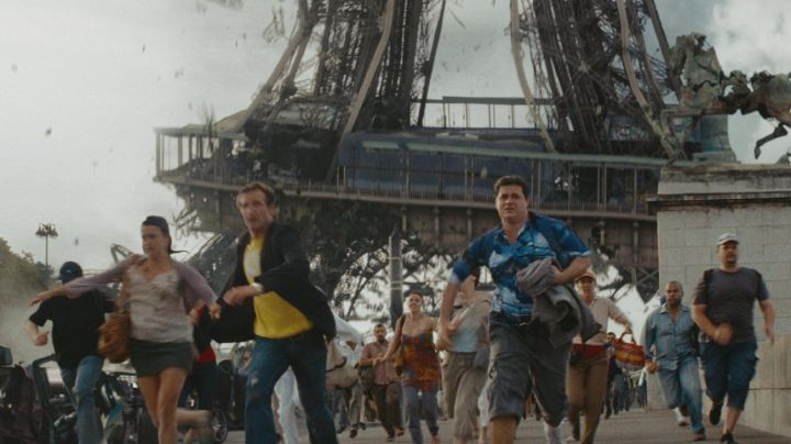 The Eiffel Tower pont d Iena in GI Joe: The Awakening of the Cobra - Movie Outfits and Products