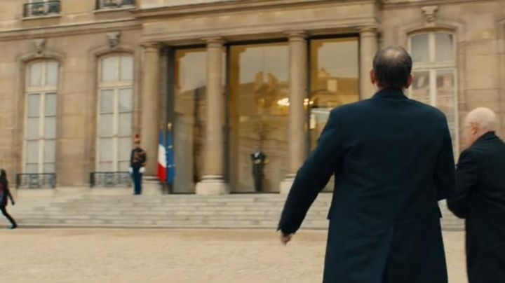 The Elysée palace in the film The Year of the State ( Olivier Gourmet and Michel Blanc) - Movie Outfits and Products