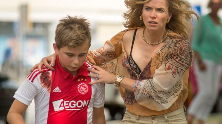 The Football Shirt Adidas Ajax Junior in Clean Hands (out March 2018) - Movie Outfits and Products