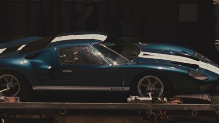 The Ford GT of Mia Toretto (Jordana Brewster) in Fast & the Furious 5 - Movie Outfits and Products