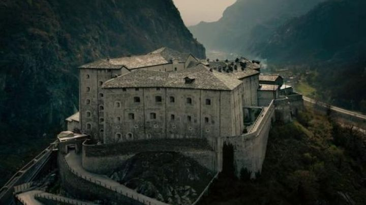 The Forte di Bard in the north of Italy, the fortress of HYDRA in Avengers : Age of Ultron - Movie Outfits and Products
