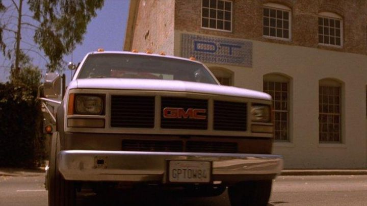 The GMC Sierra from Brian O'conner (Paul Walker) in The Fast and The Furious - Movie Outfits and Products