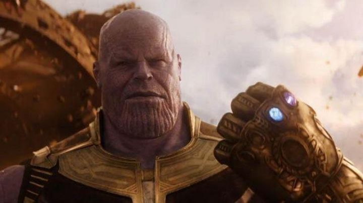 The Glove of the Infinite electronic adult of Thanos (Josh Brolin) in Avengers : Infinity War - Movie Outfits and Products