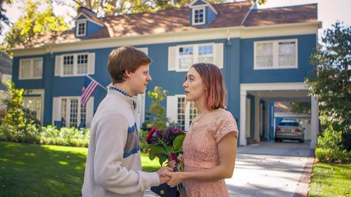 The Great Blue House of Lady Bird (Saoirse Ronan) in Lady Bird - Movie Outfits and Products