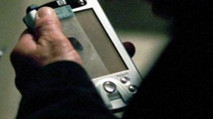 The HP iPAQ H5500 to the CIA in The Death in the skin - Movie Outfits and Products