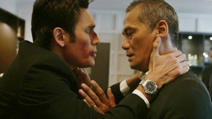 Fashion Trends 2021: The Hamilton watch Jazzmaster Viewmatic Uco in The Raid 2