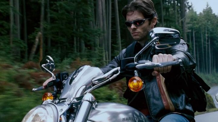 The Harley-Davidson V-Rod 1130 of James Marsden in X-Men : The final Confrontation - Movie Outfits and Products