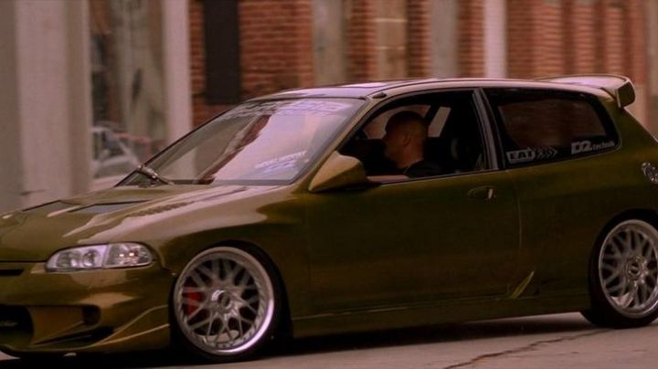 The Honda Civic of Hector (Noel Gugliemi) in The Fast and The Furious - Movie Outfits and Products