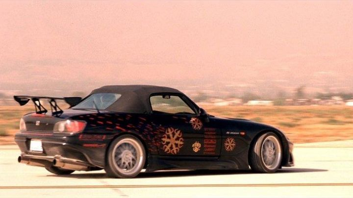 The Honda S2000 of Johnny Tran (Rick Yune) in The Fast and The Furious - Movie Outfits and Products