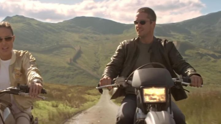 Fashion Trends 2021: The Honda XR 600 L of Tery Sheridan (Gerald Butler) in Lara Croft - Tomb Raider 2 : The cradle of life