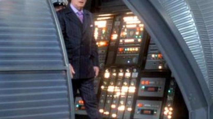 The IBM AN/​FSQ-7 Dr. Evil (Mike Myers) in Austin Powers in Goldmember - Movie Outfits and Products