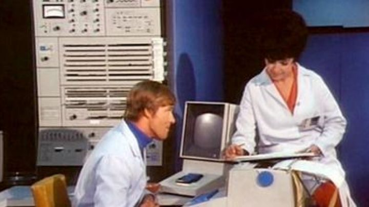 The IBM System/360 seen in The Brain Machine - Movie Outfits and Products