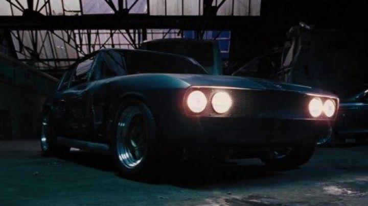 The Jensen Interceptor of Letty Toretto (Michelle Rodriguez) in Fast & Furious 6 - Movie Outfits and Products