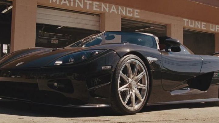 The Koenigsegg CCXR Roman Pierce (Tyrese Gibson) in Fast & the Furious 5 - Movie Outfits and Products